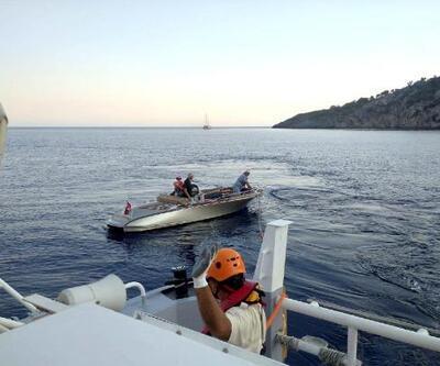 Son dakika.. Sürüklenen teknedeki 3 kişi kurtarıldı