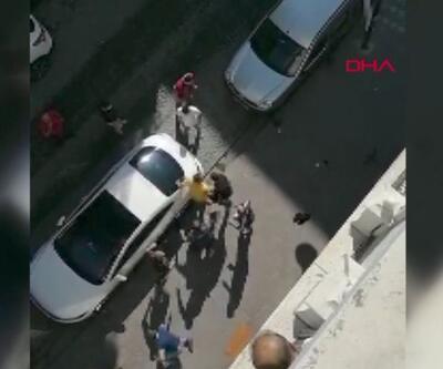 Sokak ortasında bıçaklı kavga | Video
