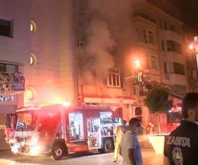 Son dakika! Beyoğlu'nda Kırgizistan Konsolosluğu binasında yangın   Video