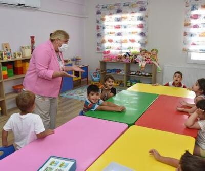 Başkan Erdem'den minik öğrencilere ziyaret