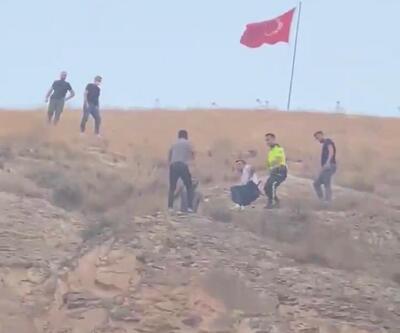 İlçeyi ayağa kaldıran olay! Türk bayrağını indirmeye çalışınca...