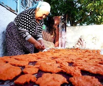 Sarıgöl'de evlerde tarhana yapımına başlandı