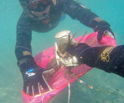 Denizin dibinden 257 kilogram katı atık çıkarıldı