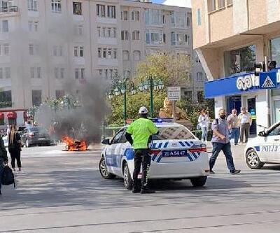 Son dakika.. Ceza kesilen ehliyetsiz sürücü motosikletini yaktı