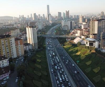 Trafik kazası TEM trafiğini kilitledi