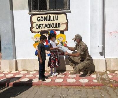 Jandarmadan köy okullarına tablet