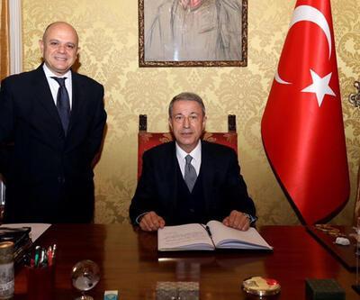 Son dakika haberi: Milli Savunma Bakanı Akar, Türkiye'nin Roma Büyükelçiliğini ziyaret etti