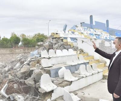 Biga İlyas Bayram Stadyumu tribünü yenileniyor