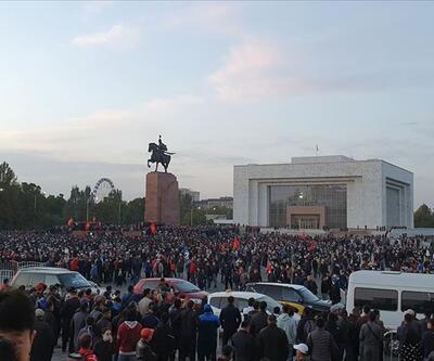 Bişkek'te muhalefet ile hükümet yanlıları arasında çatışma