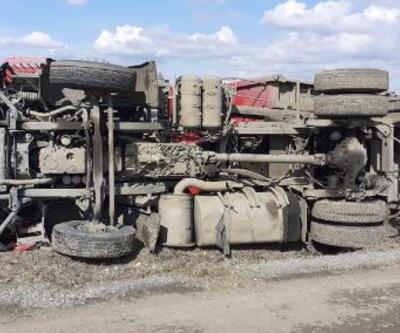 Malkara'da kömür yüklü TIR devrildi: 1 yaralı