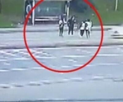 Kaza anı kamerada, iki kadın hastaneye kaldırıldı | Video