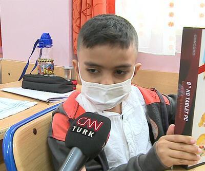 Bağcılar'da imkanı olmayan öğrencilere tablet dağıtıldı | Video