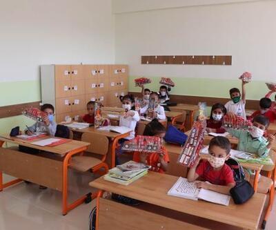 Midyat'ta yapımı tamamlanan okul törenle açıldı