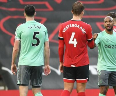 Everton ilk yenilgisini aldı