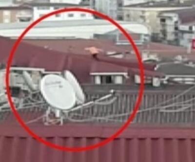 Çatıda tehlikeli oyun... Çocuk dakikalarca oyun oynadı | Video
