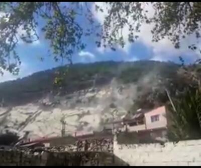 Deprem anında kaya parçaları koptu