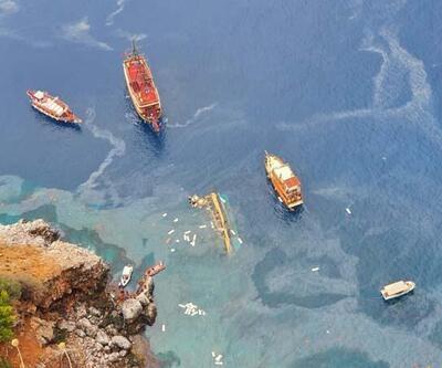 Antalya'da tur teknesi battı   Video