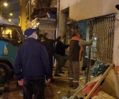 Çöp kamyonu binaya çarptı | Video