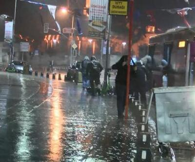 İstanbul'da sabah saatlerinde sağanak etkili oldu | Video