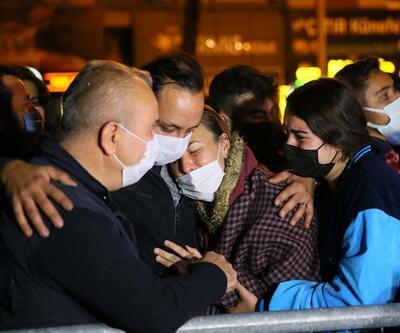 İzmir'deki depremde hayatını kaybedenler anıldı