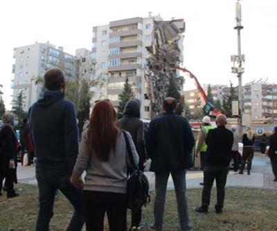 Yıkılan binayı böyle izlediler