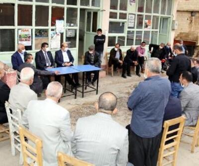 Nizip'te Kaymakam ve belediye başkanı mahalleleri geziyor