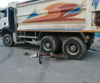 Kamyon altında kalan bisiklet sürücüsü öldü
