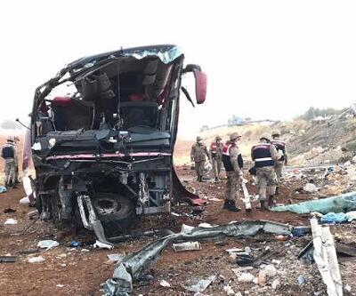 Samsun'a yolcu taşıyan otobüs devrildi: 1 ölü, 31 yaralı