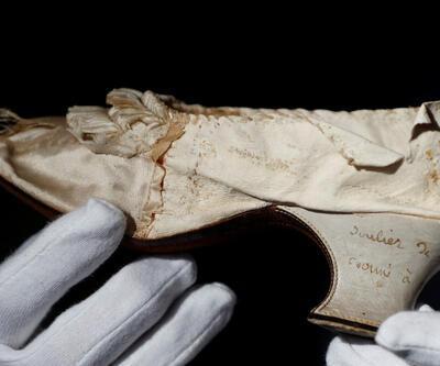 Kraliçe Antoinette'in ayakkabısı müzayedede 43 bin 750 avroya satıldı