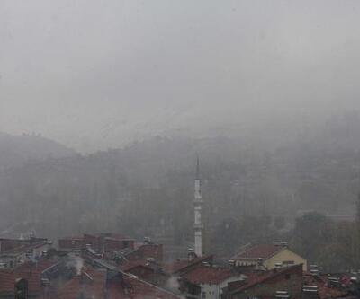Çelikhan'da yılın ilk karı yağdı