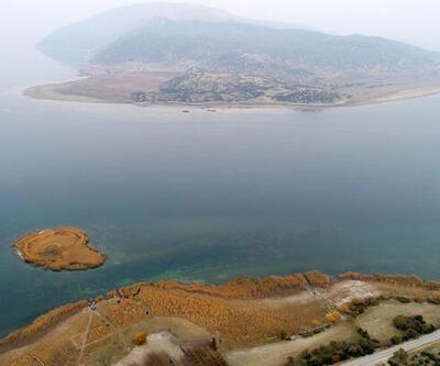 Eğirdir Gölü'nde büyük tehlike: İkiye bölünüyor