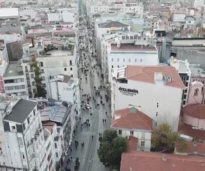 İstiklal Caddesi'ne geçişler bir süre durdu