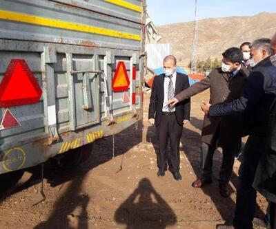 Zara'da traktör sürücülerine reflektör dağıtımı yapıldı