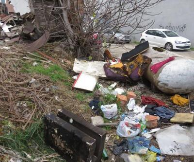 Kadıköy'de yanan araçtan 2 kişinin cesedi çıktı | Video