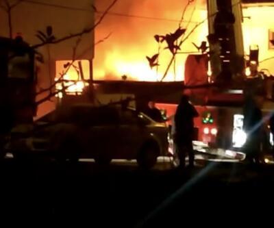 Sancaktepe'de iş yerinde korkutan yangın | Video