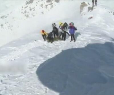 İran'da kar fırtınası can aldı... 10 dağcı öldü, 7 dağcı hala kayıp | Video