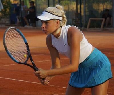 Avusturyalı tenisçi Angelina Graovac, çıplak görüntülerini satıyor
