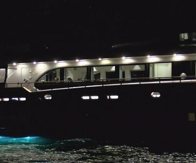 Denizde parti yapılan tekneye polis baskını