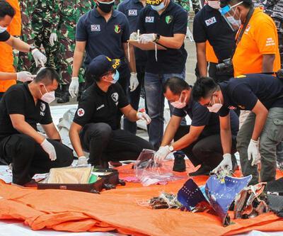 Son dakika... Endonezya'da düşen uçağın kara kutusunun yeri tespit edildi