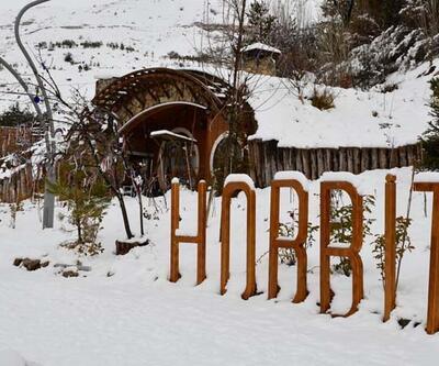 """Sivas'ın """"Hobbit Evleri"""" kış güzelliğine büründü"""