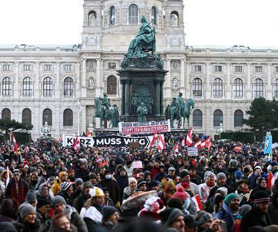 Avusturya'da binlerce gösterici Kovid-19 önlemlerini protesto etti