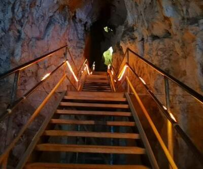 Oylat Mağarası'daki sıcaklık 18 derece