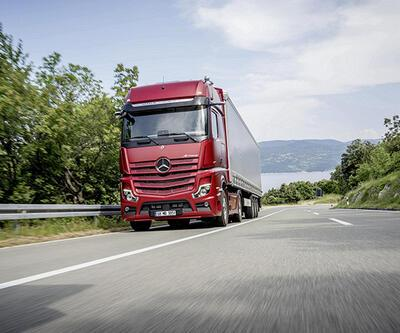 Mercedes kamyon grubunu yeniliyor