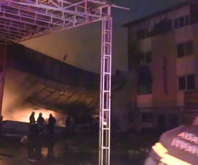 Adana'da korkutan yangın... Mobilya atölyesinde başladı yandaki binaya sıçradı