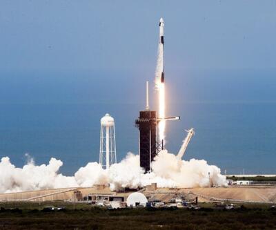 SpaceX 143 uyduyu uzaya fırlatmayı başardı