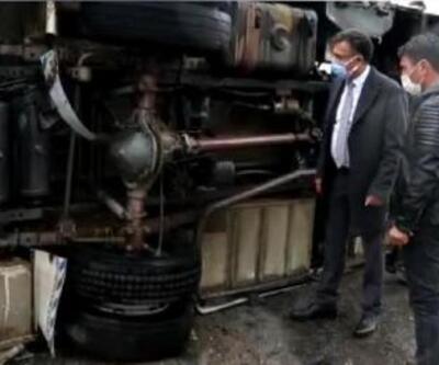Servis minibüs devrilip, alev aldı: 7 yaralı