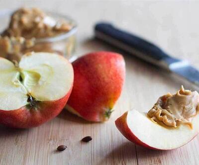 Elma Kaç Kalori? Normal Boyutlarda Bir Elmanın Besin Değerleri Nasıldır?