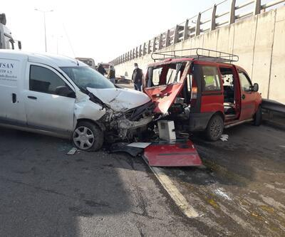 Sürücü direksinyonda fenalaştı, kazada yaralılar var