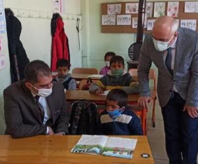 Kaymakam Akça, okullarda pandemi tedbirlerini inceledi