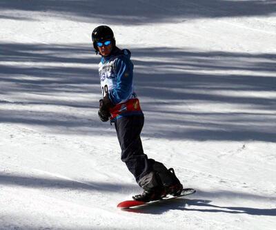 Diplomatlar kayak pistinde yarıştı
